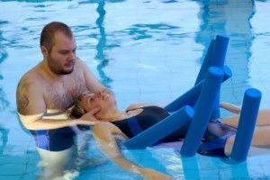 Як правильно робити вправи в басейні?
