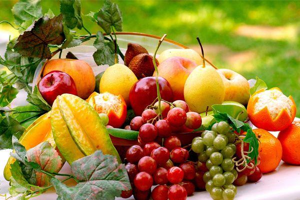 Як правильно їсти фрукти